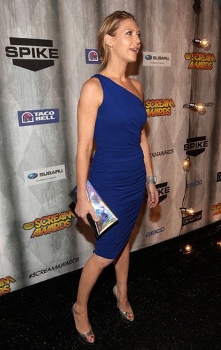 Anna Torv Arriving @ the 2011 Spike TV Scream Awards