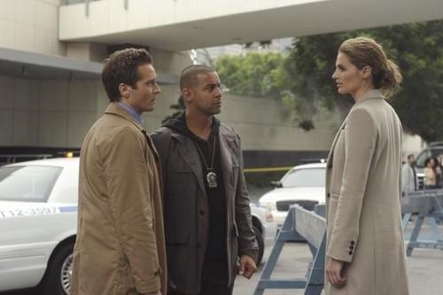 """দুর্গ 4x07 """"Cops & Robbers"""" Promotional ছবি"""