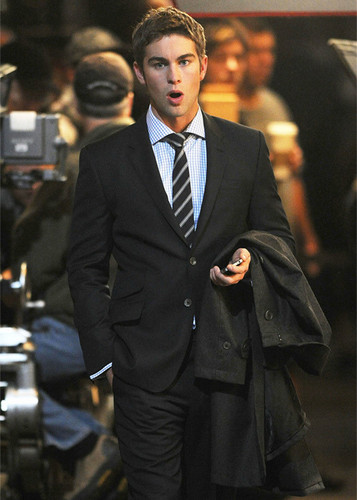Chace Crawford on set at the Empire Hotel [looking hot]