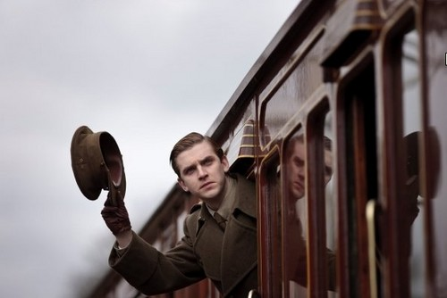 Downton Abbey kertas dinding called Dan Stevens at Downton