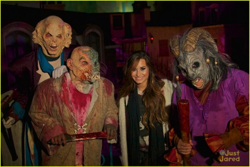 Demi Lovato: Halloween Horror Nights!