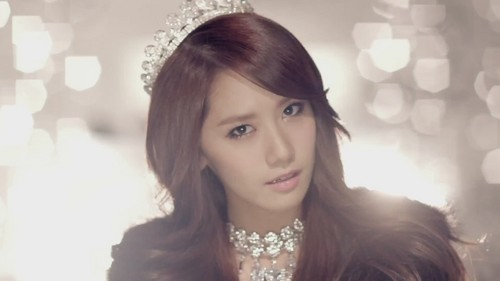 "Kpop karatasi la kupamba ukuta containing a portrait called Girls' Generation Yoona ""The Boys"" MV Teaser"