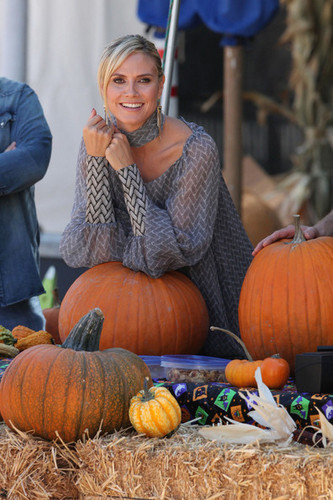 Heidi Klum in a Beverly Hills Pumpkin Patch