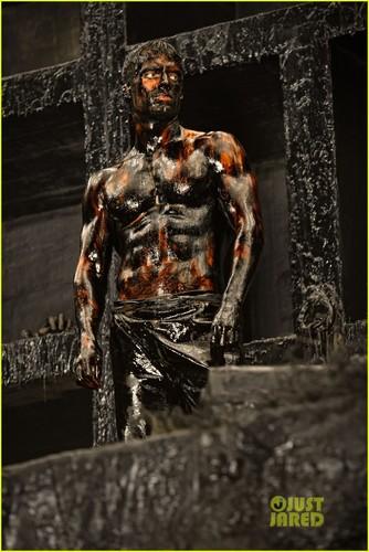 Henry Cavill: Shirtless 'Immortals' Stills!