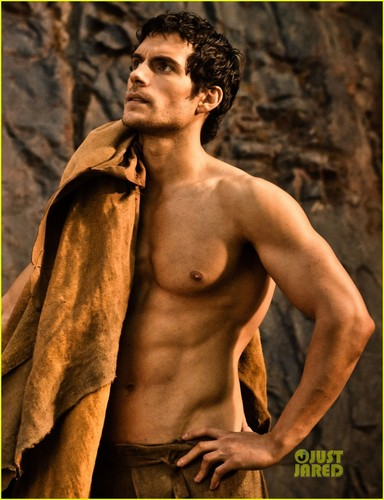 Henry Cavill: Shirtless 'Immortals' Stills!