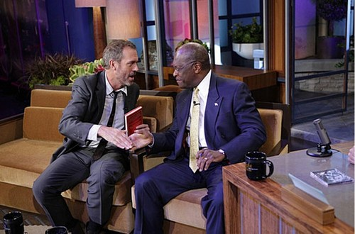 Hugh Laurie meets Herman Cain during commercial break.(The Tonight Show with 어치, 제이 Leno )