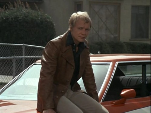 Starsky and Hutch (1975) wallpaper containing an automobile and a business suit entitled Hutch