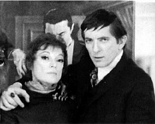 Dark Shadows fond d'écran probably containing a business suit entitled Jonathan Frid and Grayson Hall