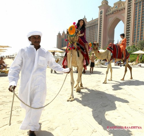 Kim and her mother Kris go riding on camels at the Atlantis in Dubai - 13/10/2011