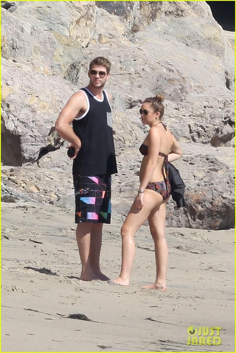 Nude liam hemsworth Josh Hutcherson
