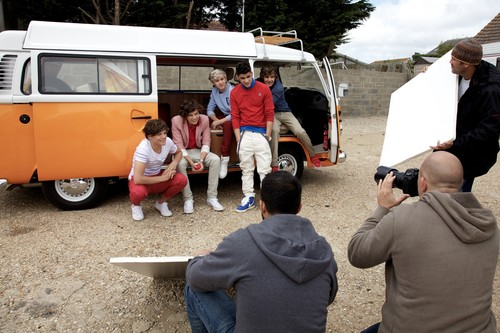 New pic from 1D's WMYB photoshoot | Behind the scenes!