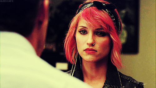 Quinn Fabray wallpaper probably containing a portrait entitled Quinn