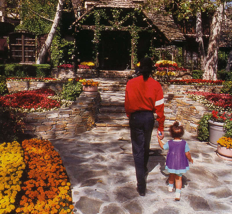 Wonderland neverland neverland valley ranch photo for Foto di case di ranch