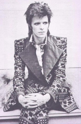 Ziggy Stardust wallpaper possibly with a well dressed person and a business suit entitled ziggy