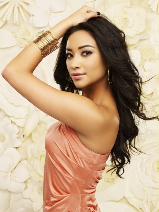 ★emily Fields Pretty Little Liars Tv Show Photo