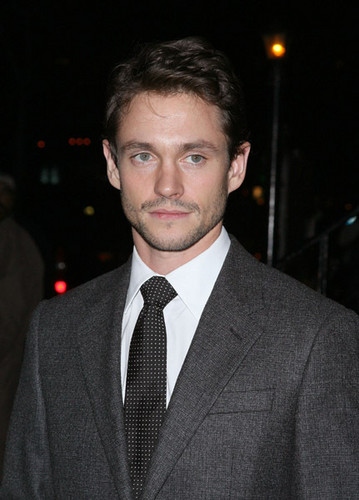 Hugh Dancy wallpaper containing a business suit, a suit, and a double breasted suit entitled ♥HD ♥