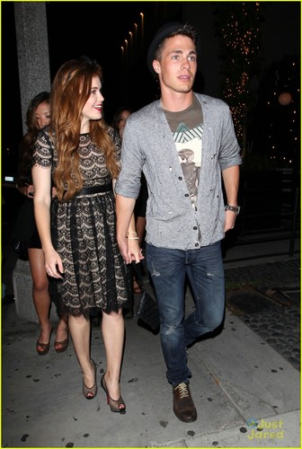 ♥holding hands♥