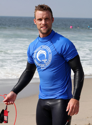 4th Annual Project Save Our Surf's 'Surf 2011 Celebrity Surfathon' – día 1 [October 15, 2011]