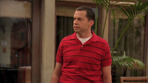 Two and a Half Men karatasi la kupamba ukuta entitled 9x04 - Nine Magic Fingers