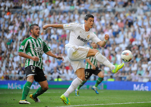 C. Ronaldo (Real Madrid - Betis)