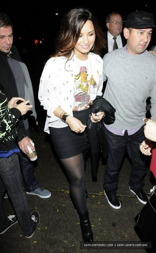 Demi - Leaving the KiSS 92.5 Radio Station in Toronto, Canada - October 14, 2011