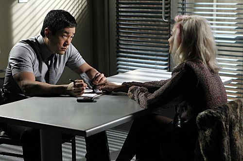 Episode 4.08 - roze Tops - Promotional foto's