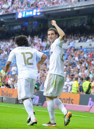 G. Higuain (Real Madrid - Betis)