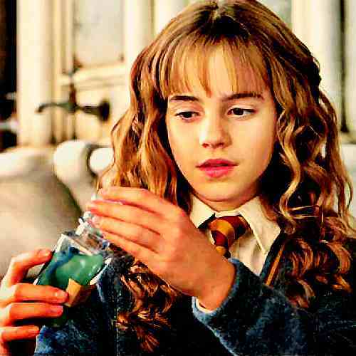 Hermione Making Pollyjucie