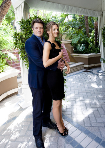 Nathan Fillion & Stana Katic fond d'écran containing a patio titled Hollywood Foreign Press Association - Press Conference