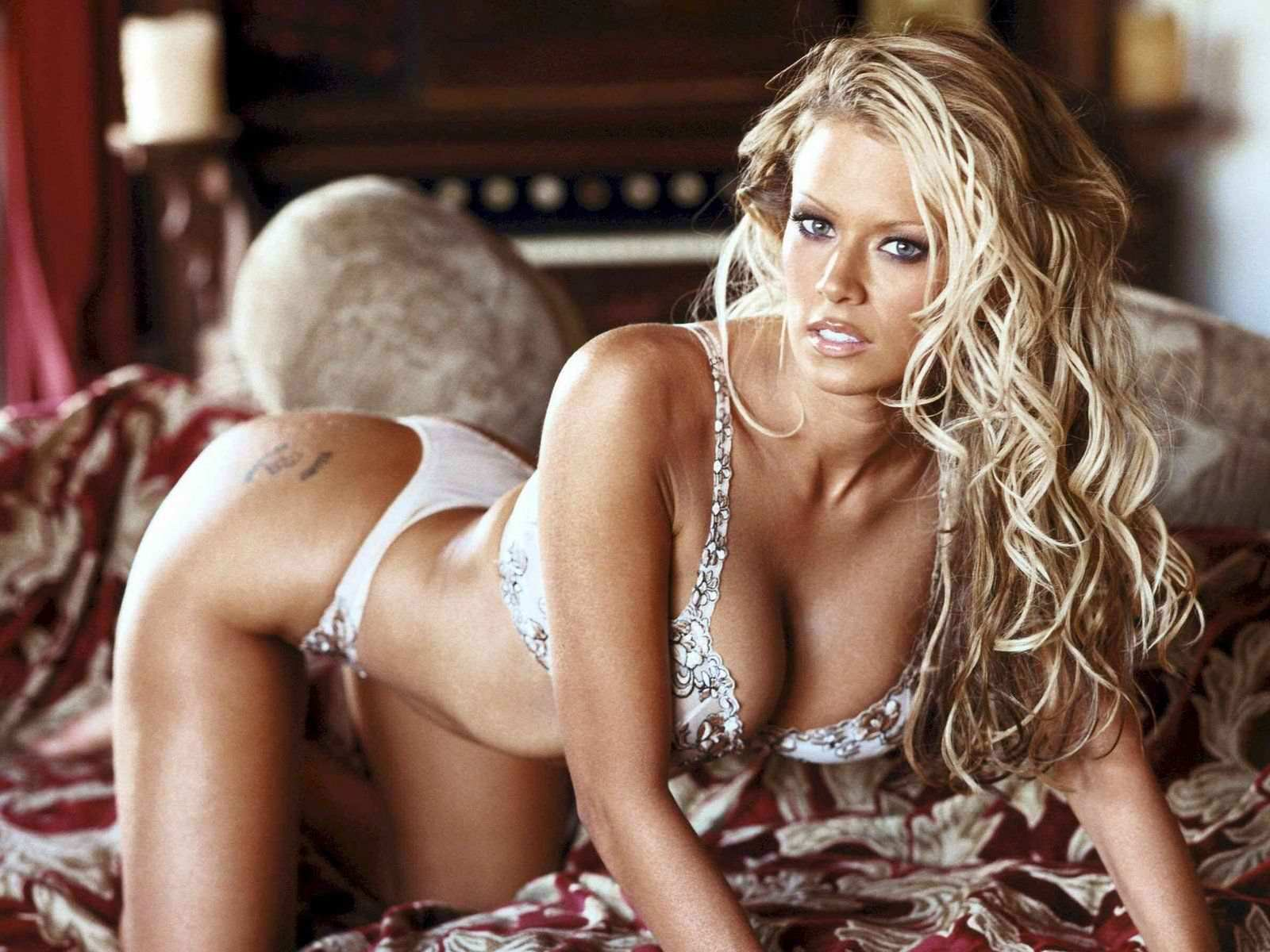 Jenna Jameson hot