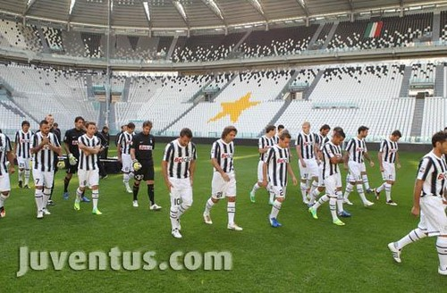 Juventus 2011-2012 foto shoot at new stadium