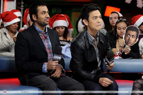 Kal Penn & John Cho on New Muzik Live (October 20, 2011)