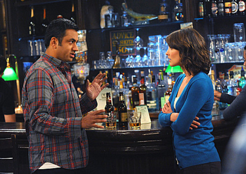 "Kal Penn in a Promotional تصویر for 7x07 ""Noretta"" ~ 'How I Met Your Mother'"