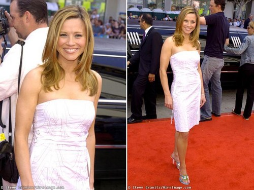 Linda Cardellini in Red Carpet Limo
