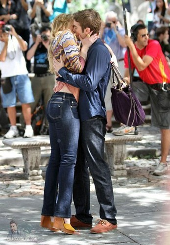 Nate - Gossip Girl - Behind the Scenes, Central Park - September 01, 2011