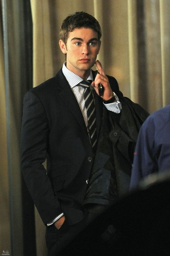 Nate - Gossip Girl - Behind the Scenes - October 13, 2011
