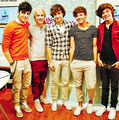 ONE DIRECTION! <3 <3