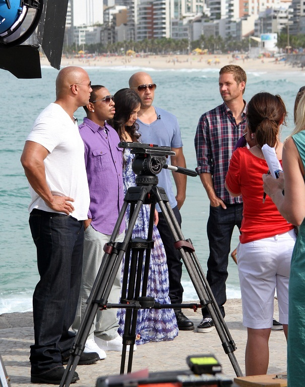 Paul - Fast Five Cast in Arpoador, RJ (Interview with MSNBC Today Show), Apr 13, 2011