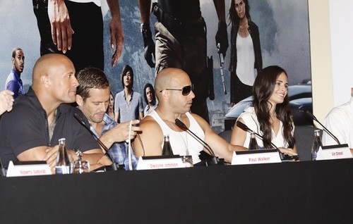 Paul Walker wallpaper entitled Paul  - Fast Five Press Conference at the Copacabana Palace Hotel in RJ, Apr 13, 2011