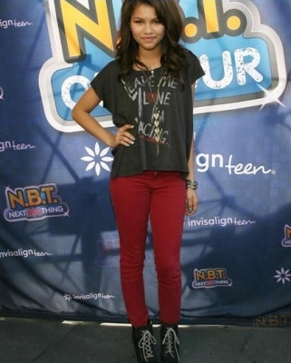"RADIO DISNEY'S ""N.B.T.""(NEXT BIG THING) concerto TOUR - (15 OCTOBER 2011)"