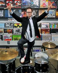 Rainn Wilson wallpaper probably containing a drummer called Rainn ♥