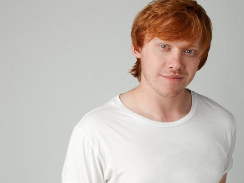 Rupert Grint wallpaper containing a jersey entitled Rupert Grint Wallpaper