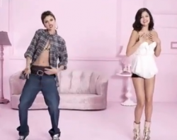 Selena Gomez EMA 2011 Commercial