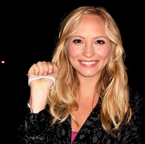 Team Caroline/Vampire búp bê barbie bracelet các bức ảnh