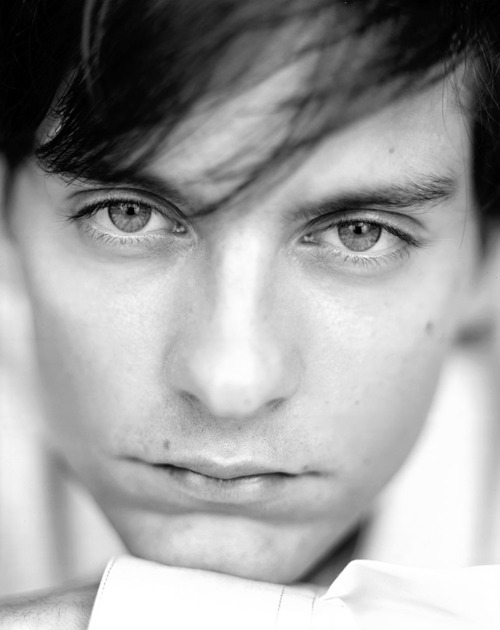 Tobey Maguire - Tobey Maguire Photo (26191923) - Fanpop Tobey Maguire Facebook