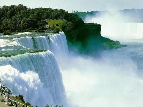 Waterfall fondo de pantalla