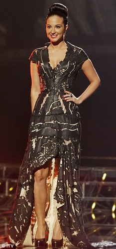 X Factor 2011 Live tampil Week 2