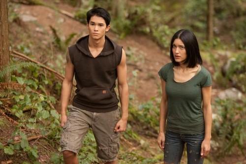 new Breaking Dawn still Leah and Seth