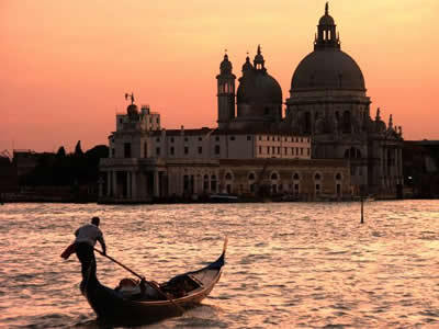 Beautiful Pictures wallpaper with a gondolier and a gondola entitled 美Beautiful