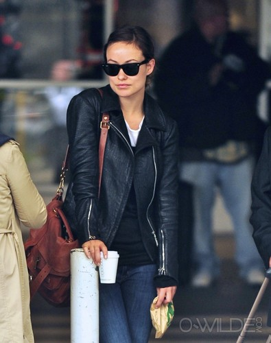 Arrives at LAX Airport [October 20, 2011]